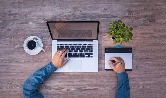 15 Tips For Landing Your First Client As A New Freelancer
